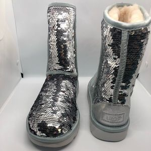 Ugg Silver Sequence Short size 10 Boot